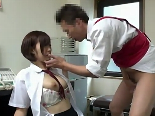 可愛いロリ女子校生が万引したのをスーパーの店長に見つかりそれを弱みに事務所の中で無理やりSEXされて最後は中出し FC2 無料エロ動画