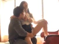 柔らかそうな美巨乳の美人彼女とイケメン彼氏のラブラブSEX 紺野まこ/志戸哲也 裏アゲサゲ無料エロ動画