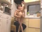 エロメン男優を自宅に招いてキッチンで不倫セックスをしちゃうスケベな素人巨乳若妻 小田切ジュン 裏アゲサゲ無料エロ動画