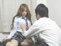 同級生と一緒に部屋でノリでAV見てたらムラムラしちゃってチンコが欲しくなりセックスしちゃう制服ギャルJK FC2 無料エロ動画
