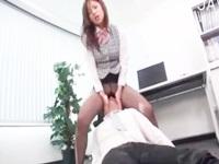 むっちりなパンスト美脚OLお姉さんが同僚の社員に会社で顔面騎乗し変態足コキ責めで抜いちゃう FC2 無料エロ動画