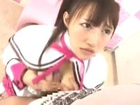 アイドル系巨乳美少女がJKやAKBやメイドのコスプレでHして〆は男2人と3Pセックスでイキまくる SpankBang無料エロ動画