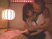 やくざの親分の可愛いメガネJK娘が親分なき組を守るために体を張ってセックスする大作ドラマ erovideo無料エロ動画