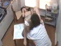 やり手な美人保険外交員の営業は契約のためなら平気で枕営業セックス 裏アゲサゲ無料エロ動画